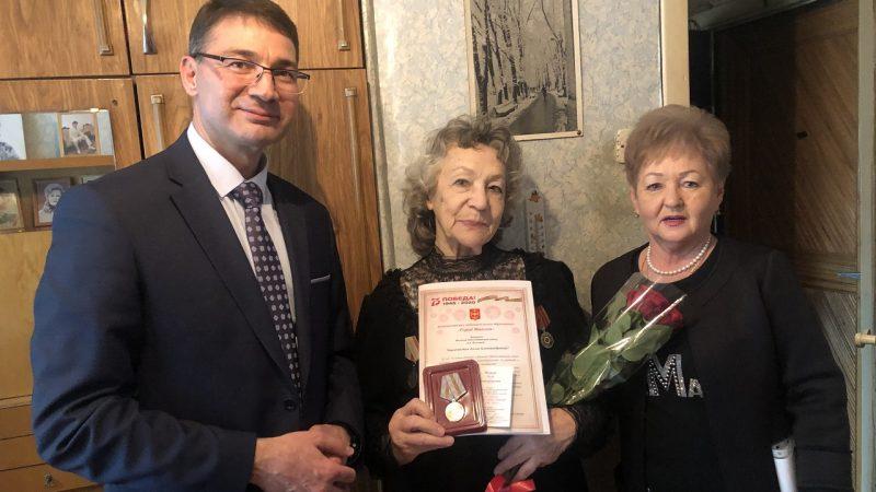 С 8 Марта поздравили женщин-ветеранов ВОВ и тружениц тыла