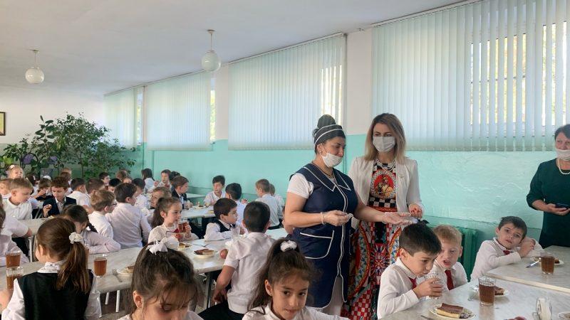 Продолжается мониторинг качества питания в школах
